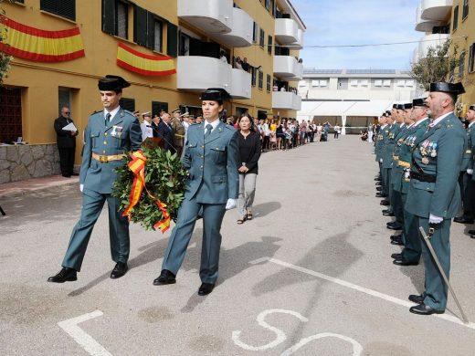 (Galería de fotos) La Guardia Civil honra a su patrona