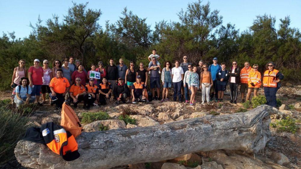 Imagen de los participantes en la jornada de limpieza (Fotos: Ajuntament de Sant Lluís)