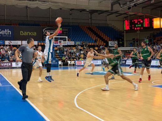 Corc¡bacho ya lleva anotados 1203 triples (Foto: Hestia Menorca)