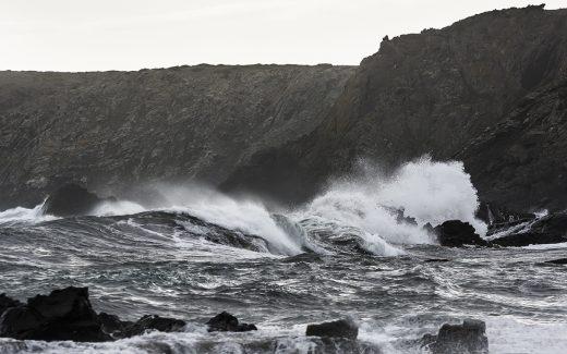 El estado del mar dificulta la navegación (Foto: M.LLAMBIAS)