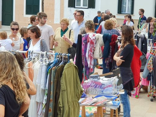 (Galería de fotos) Alaior sale de compras