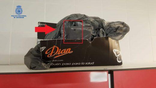 Mochila donde guardaba el dispositivo para grabar (Fotos: Policía Nacional)