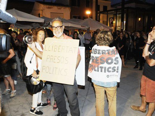 (Fotos) Movilizaciones en Maó y Ciutadella contra la sentencia