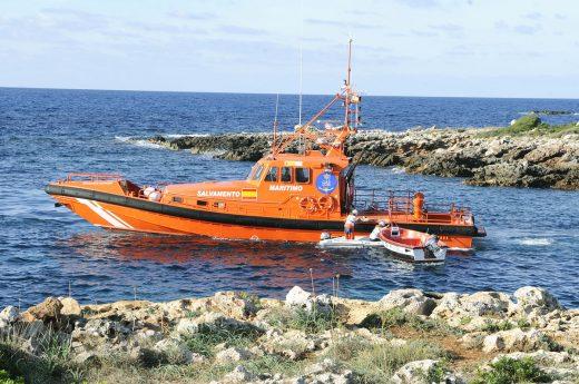 Imagen de archivo de una patera interceptada en Binisafúa (Menorca)