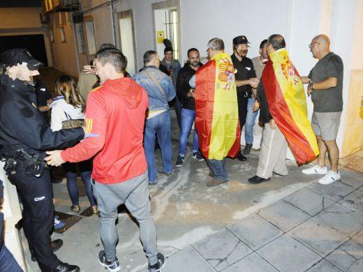 200 menorquines agradecen el trabajo de la Policía Nacional en Cataluña