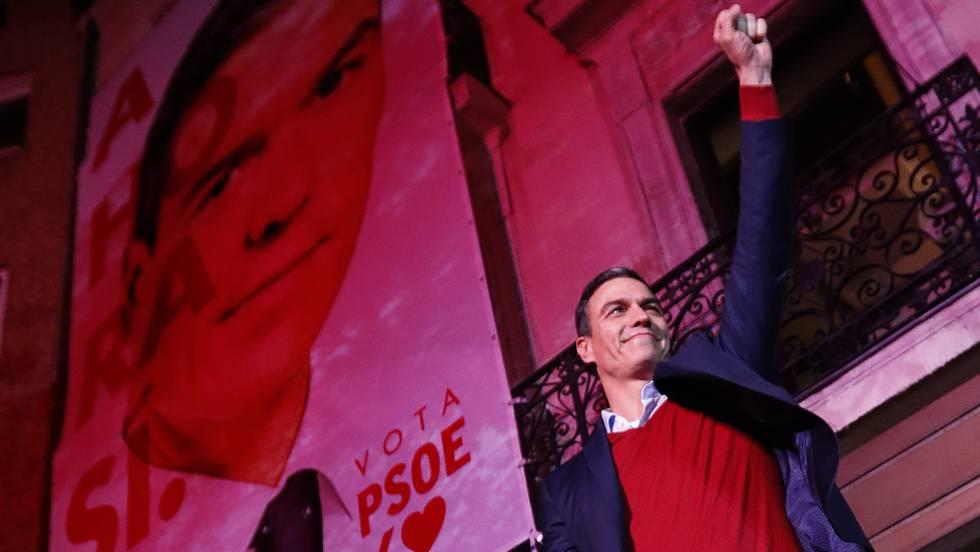 Pedro Sánchez, celebrando la victoria.