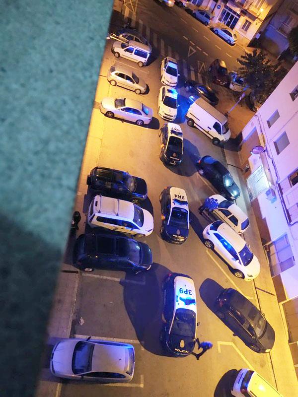 Momento de la detención en el barrio Andrea Doria el pasado martes (Foto: J.H.C.)