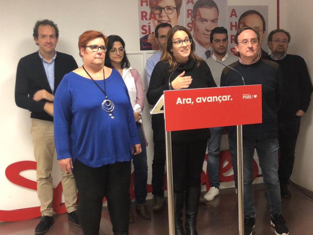 La candidata socialista Camr Garcia en la sede del PSOE esta noche