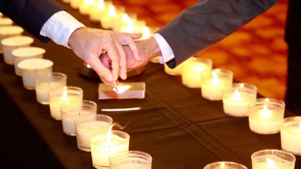 Momento del encendido de las velas (Fotos: Govern balear)