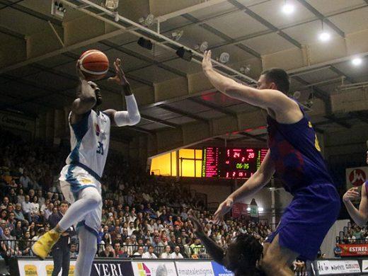 (Fotos) El Hestia Menorca se lleva un triunfo de prestigio ante un gran Barça