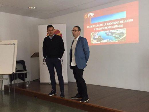 (Fotos) Lecciones de fútbol en Es Mercadal