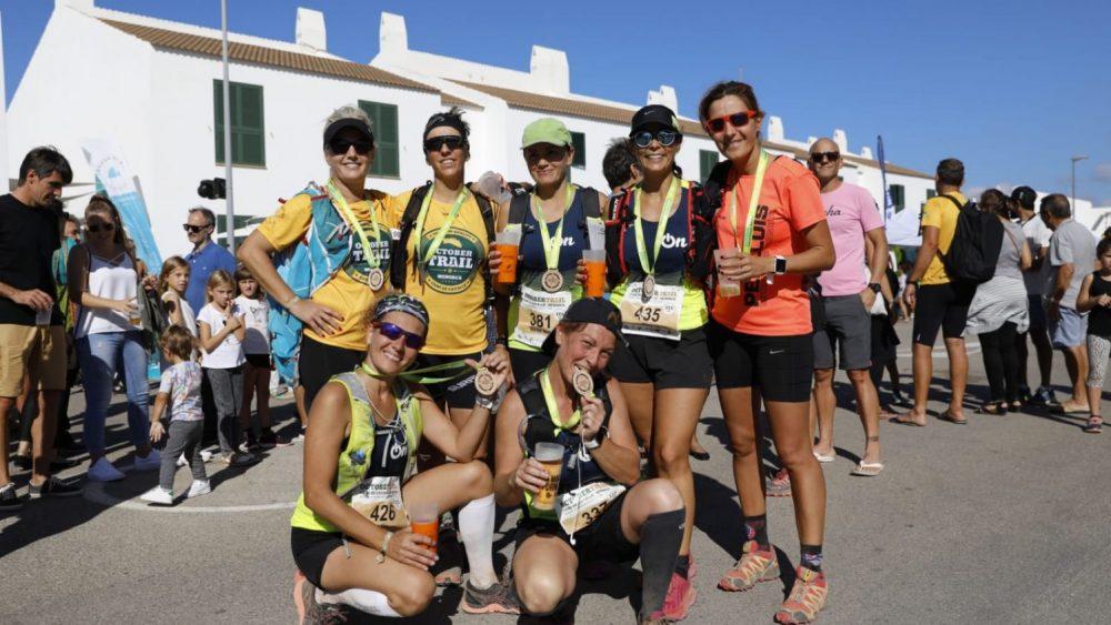 Atletas tras la prueba (Foto: October Trail)