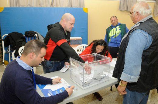 El recuento continúa en las mesas electorales de Menorca