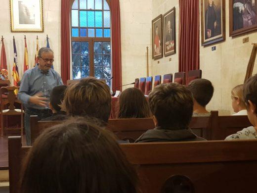 (Fotos) Un gobierno de alumnos en Ciutadella