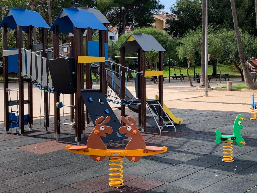 Parque infantil en Alaior.