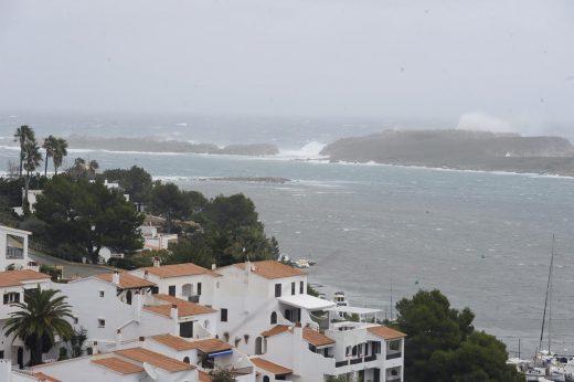 Imagen del temporal en la costa (Foto: Mikel Llambías)