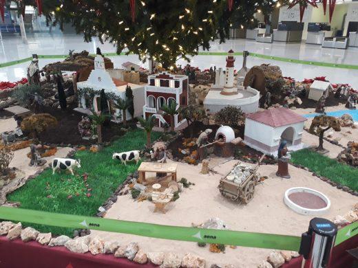 (Galería de fotos) La Navidad llega al aeropuerto