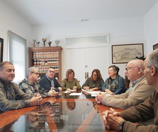 Firma del convenio entre el Ayuntamiento de Es Castell y el Consell de Menorca