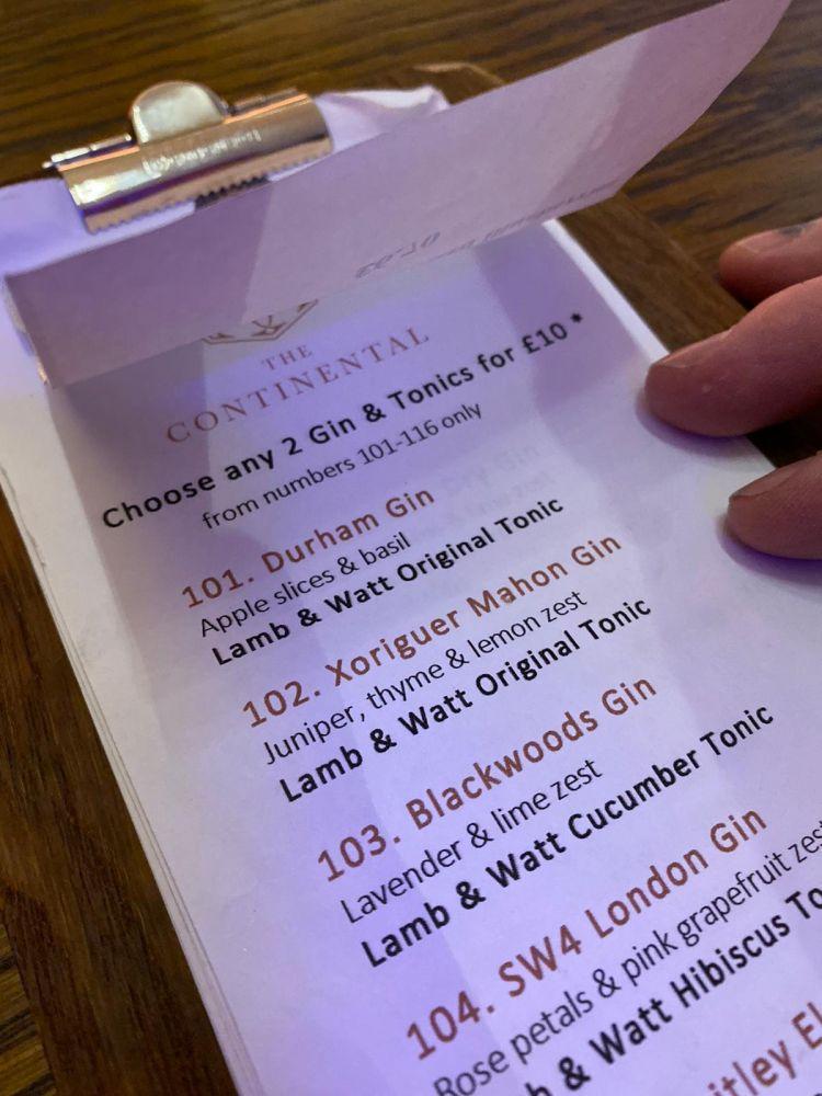 Gin Xoriguer, en la carta de ginebras del The Continental (Foto: Kate Roberts)