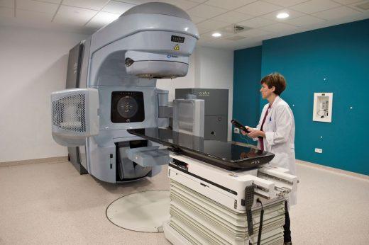 Servicio de radioterapia en el Hospital Mateu Orfila (Foto: David Arquimbau)