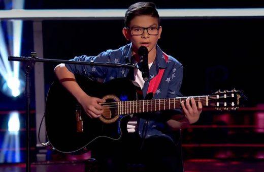 Salvador Bermúdez en una de sus interpretaciones en La Voz Kids