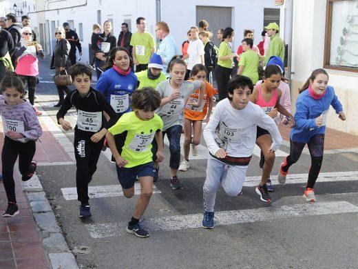 (Galería de fotos) Una Sant Silvestre de récord en Sant Lluís