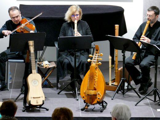 (Galería de fotos) La música medieval conquista Maó