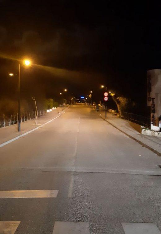 Imagen de la avenida central de la urbanización Sant Tomàs, en Es Migjorn Gran