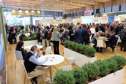 Charlas y reuniones en el stand de las Illes Balears en FITUR (Fotos: Fundació Foment del Turisme)