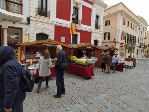 (Fotos) Animado Mercat de Sant Antoni en Maó