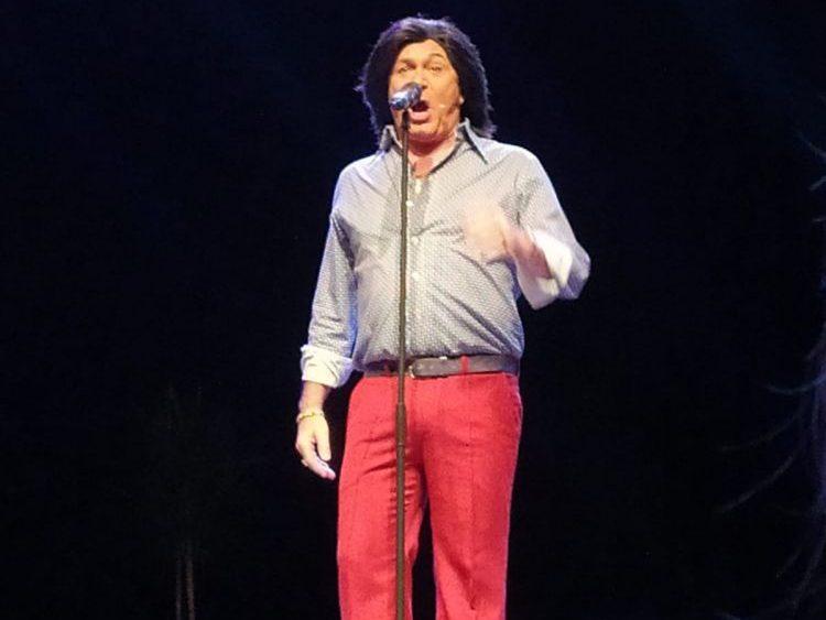 El Casta, durante su actuación (Fotos: Aspanob)