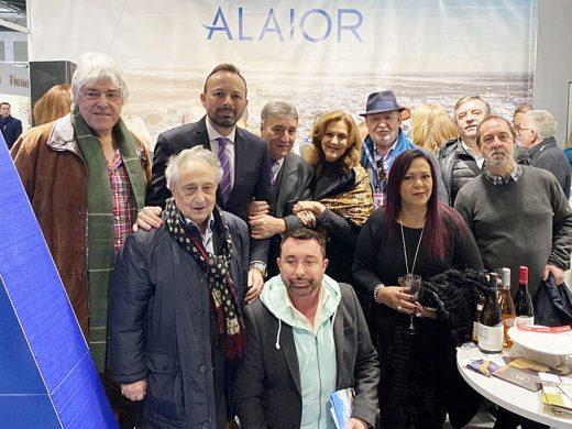 El Día de Alaior llena FITUR de famosos