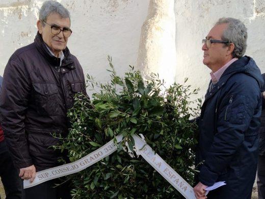 Homenaje masónico a José Brisolara en el puerto de Maó