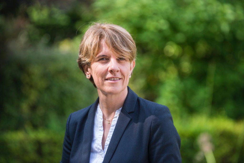 Samantha Cazebonne es diputada en la Asamblea Nacional Francesa