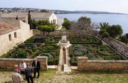 La Illa del Rei y sus jardines.