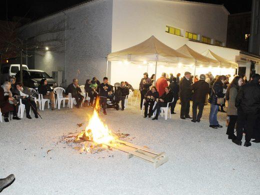 (Fotos) La fiesta empieza con un pregón, una nueva imagen y 'torrades'
