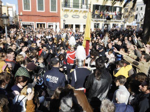 """(Fotos) Los """"tres tocs"""", el momento más emotivo de la Diada en Ciutadella"""