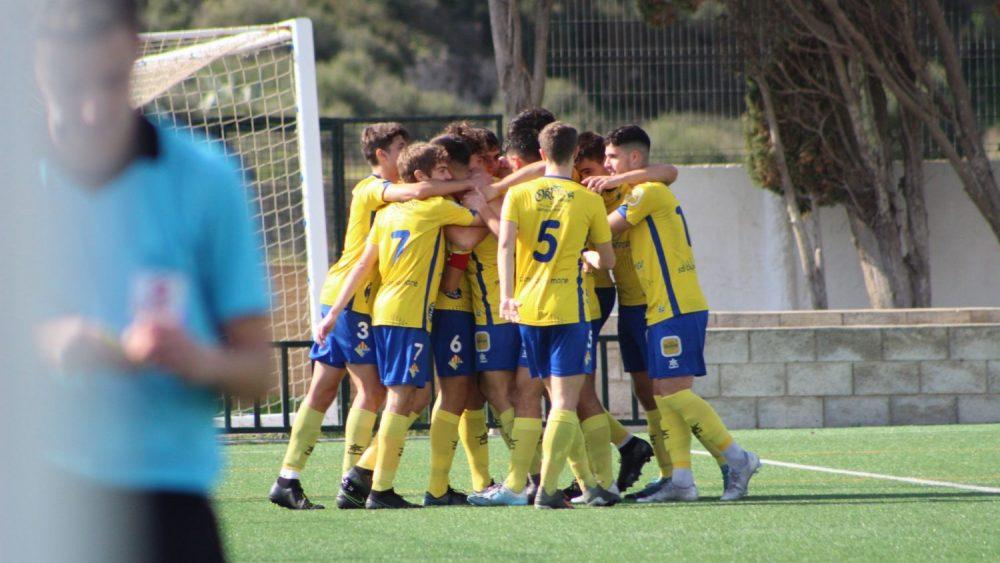 Celebración de uno de los goles del Atlético Villacarlos (Fotos: Itziar Gómez)