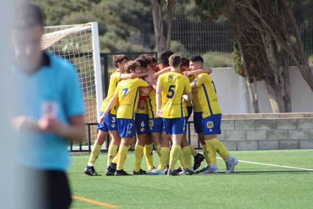 Celebración de un gol del Atlético Villacarlos (Foto: Itziar Gómez)