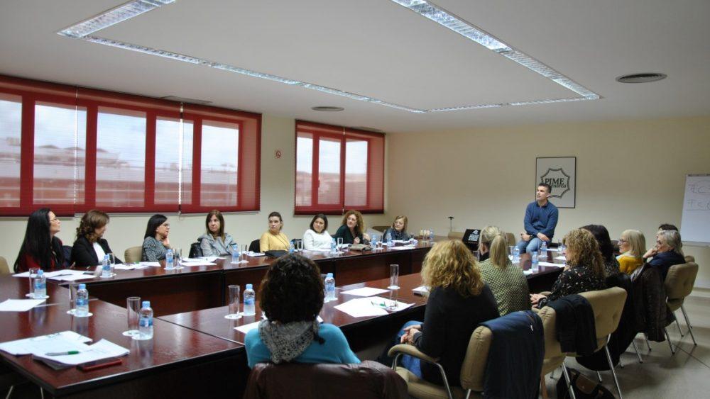 Un momento de la formación con Gaspar Roura (Fotos: PIME Menorca)