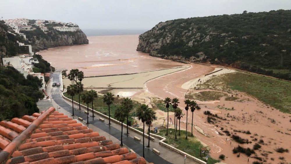 """Así quedó la playa tras el paso de """"Gloria"""" (Foto: Tolo Mercadal)"""