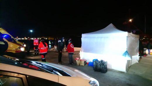 Imagen del dispositivo para atender a los migrantes (Foto: Creu Roja)