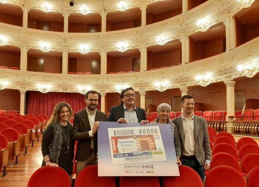 Presentación del cupón de la ONCE en el Teatro Principal de Maó