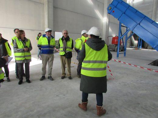 Empiezan a montar las máquinas de la nueva planta de residuos de Milà