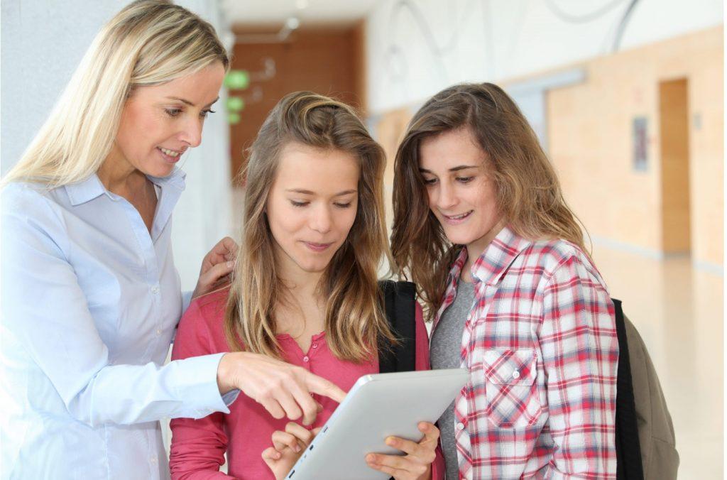 Los estudiantes menorquines podrán acceder a becas más cuantiosas (Foto: TECNONEWS/AMIC)