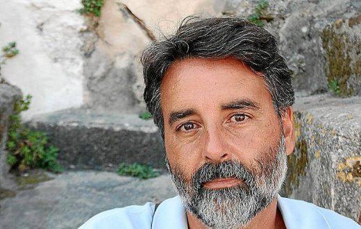 Carlos Roca.