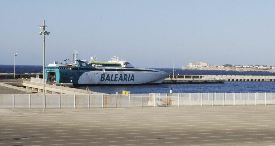 Ferry de Baleària en Son Blanc (Foto: Tolo Mercadal)