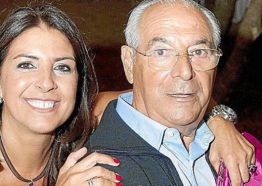 Santiago Pons Quintana, junto a su hija Magda.