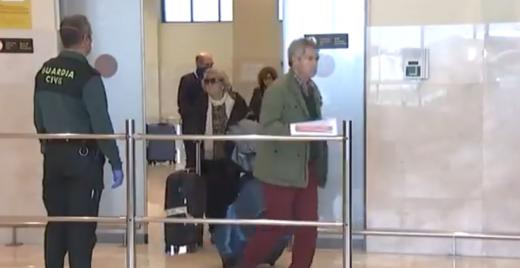 Los viajeros, llegando a Badajoz.
