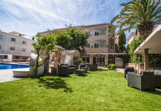 Imagen de la web de los Apartamentos Royal Life en Maó
